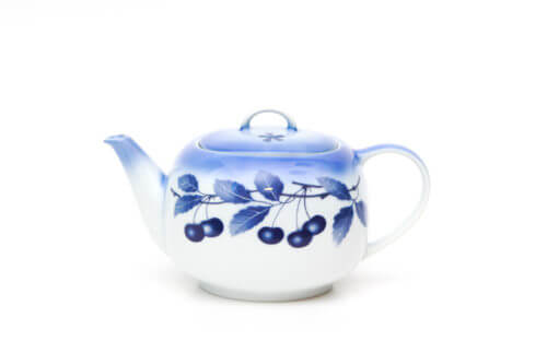 Чайник — синяя вишня